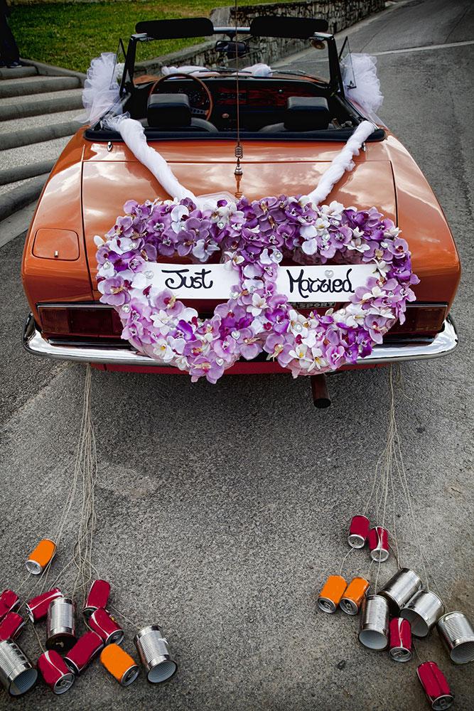 https://wedding-experience.com/wp-content/uploads/2017/07/whydoweddingcarshavecans.jpg