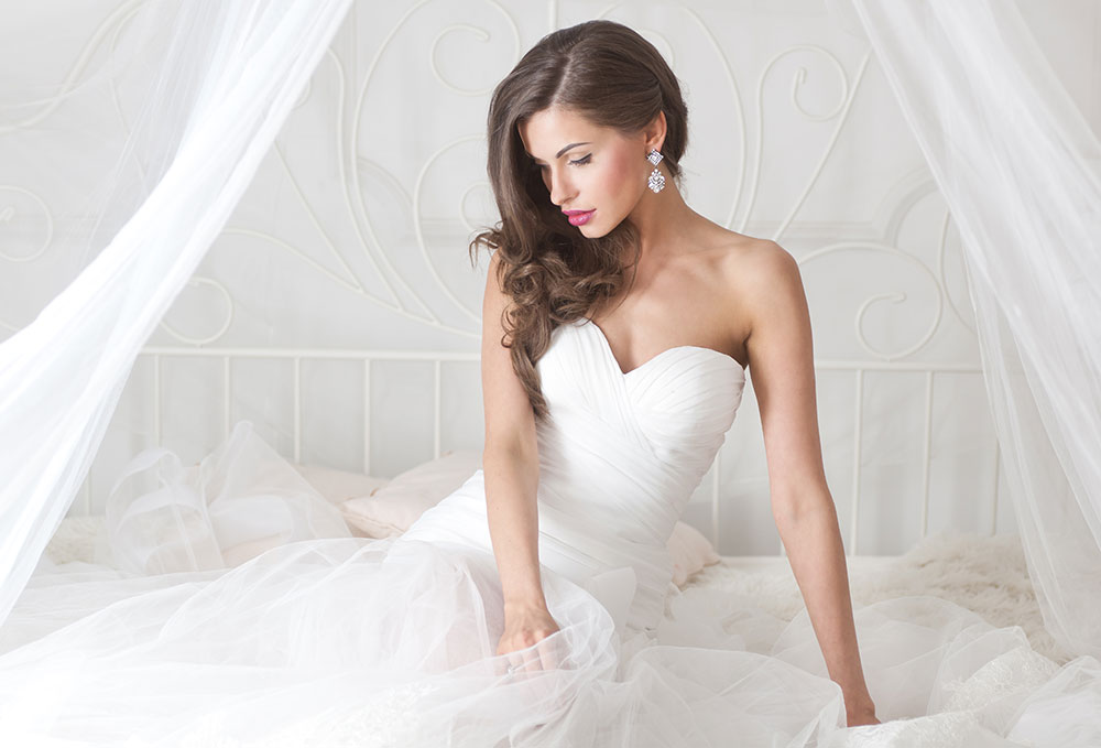 Why do wedding dresses have to be white?